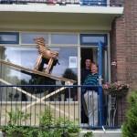 Hond op het balkon 2012, Sjoukje Gootjes